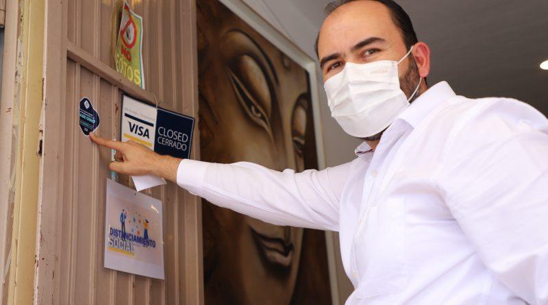 Tonalá continúa con la entrega de distintivos de apertura de establecimientos de Fase 0
