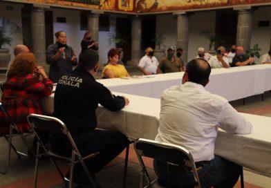El Gobierno de Tonalá está atendiendo a una comisión de las personas que se manifiestan por no poder instalarse en el tianguis