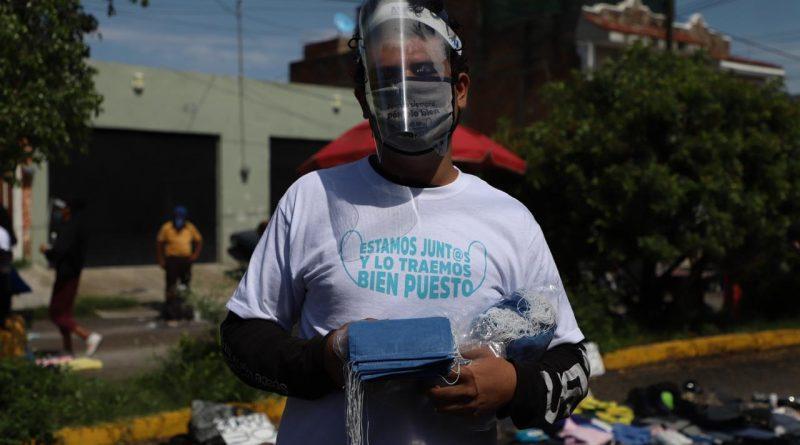 """Tonalá se suma a campaña """"Estamos Juntos y lo Traemos Bien Puesto"""" y realiza entrega masiva de cubrebocas"""